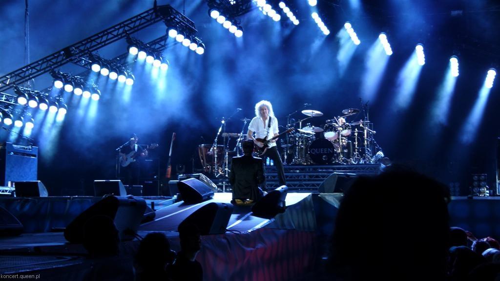 queenadamlambert2012wroclaw039